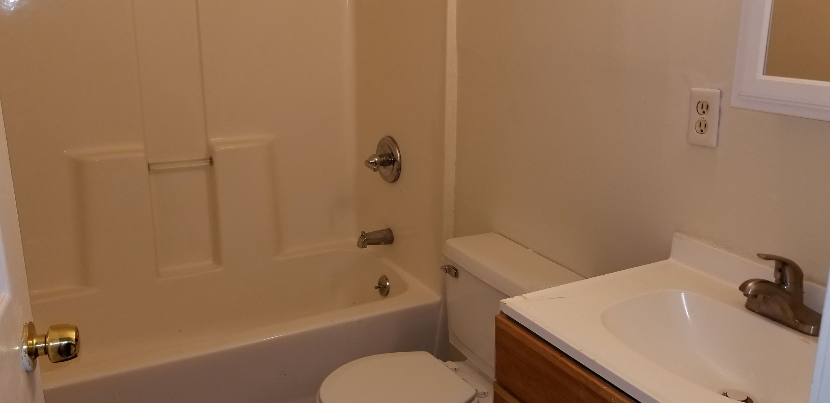 1513 Hale ave,Louisville,Kentucky 40210,3 Bedrooms Bedrooms,1.5 BathroomsBathrooms,Home,Hale ,1030