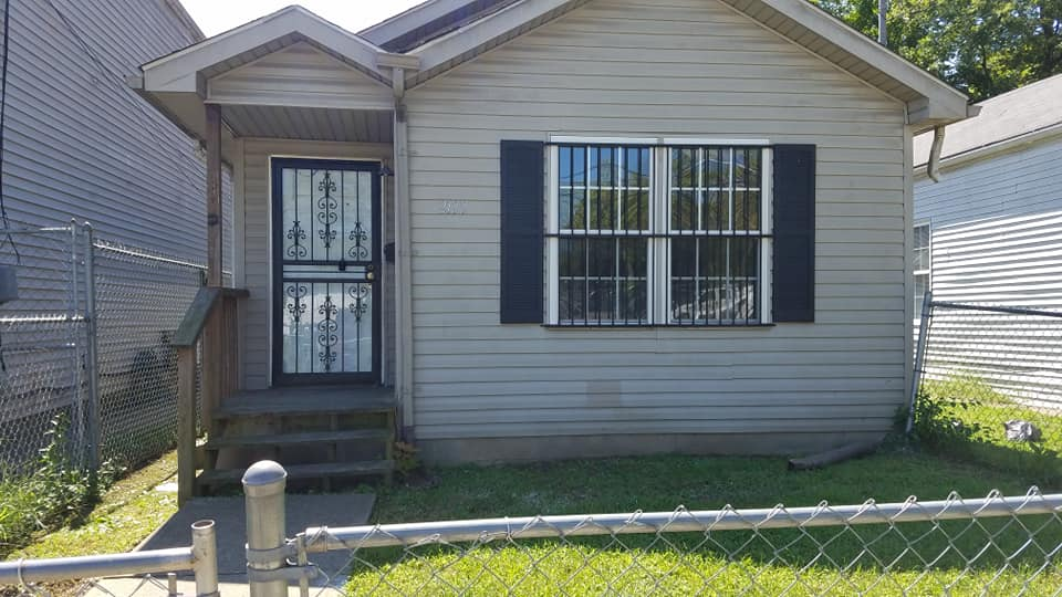 2122 Standard Ave ave,Louisville,Kentucky 40210,3 Bedrooms Bedrooms,1 BathroomBathrooms,Home,Standard Ave,1037